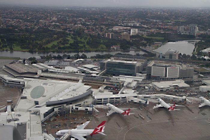 sydney-airport-stocks-fall