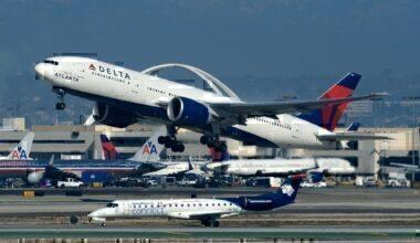 Delta 777-200LR