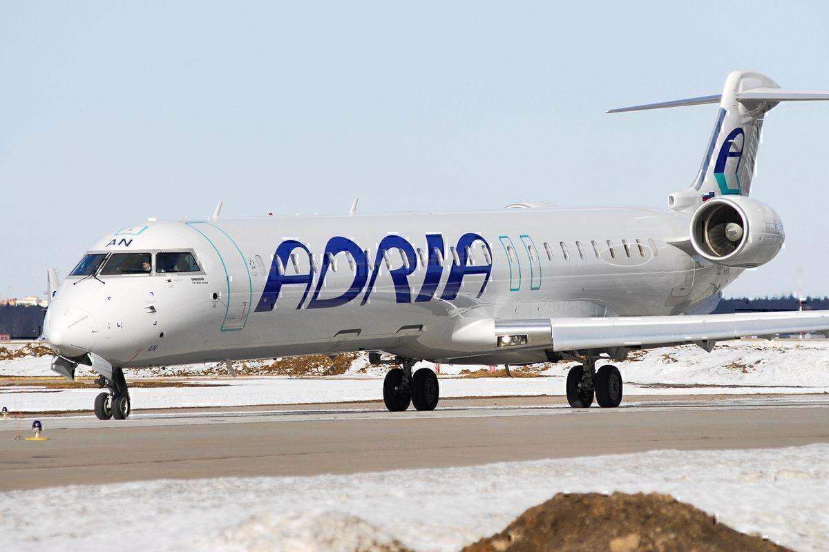 adria airways crj aircraft