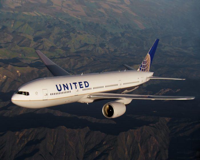 United B777-200