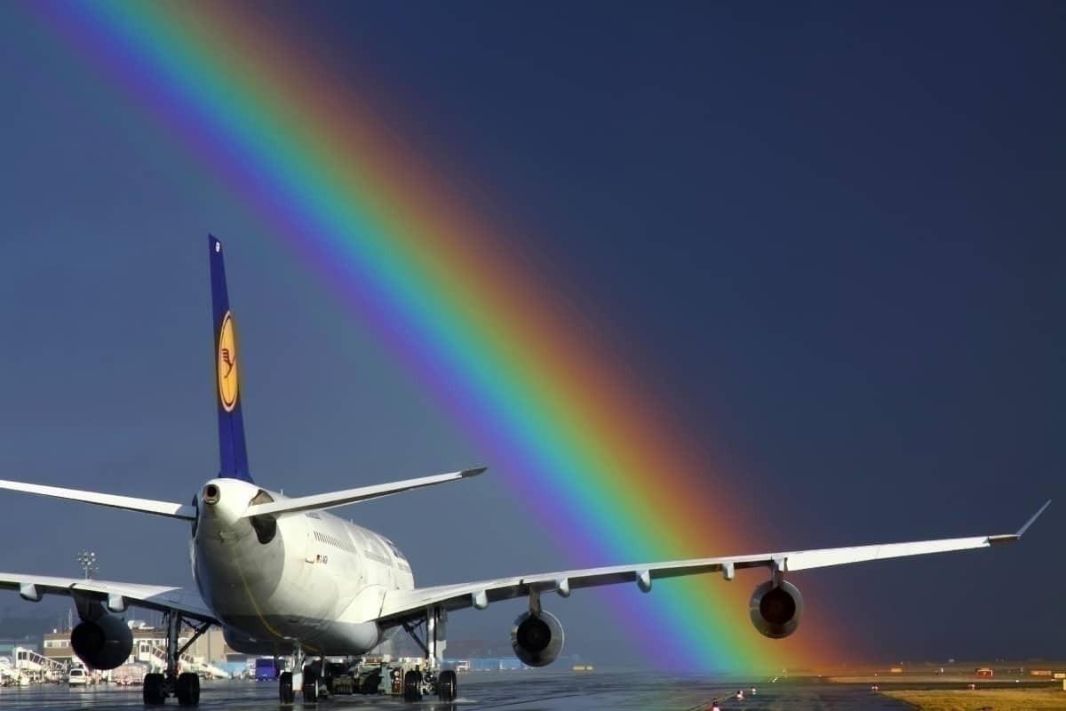 Lufthansa A340 with rainbow