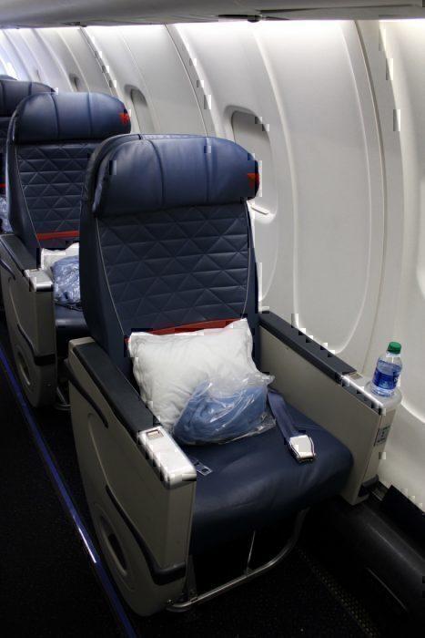 Solo Seat in DeltaCRJ