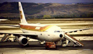 Iberia_A300_EC-DLF_at_MAD