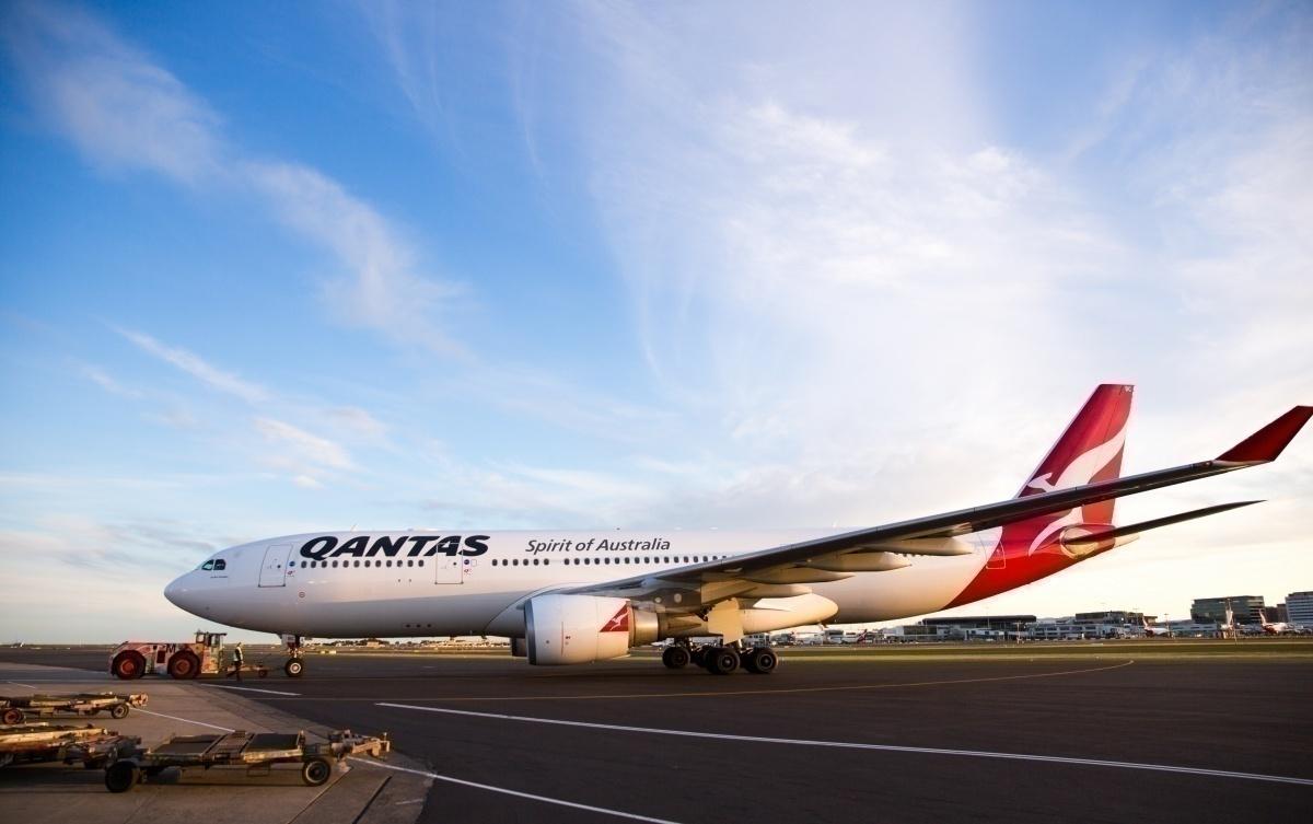 El Airbus A330 de Qantas realiza una evacuación de emergencia en Sydney thumbnail