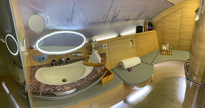 Emirates, Airbus A380, Shower