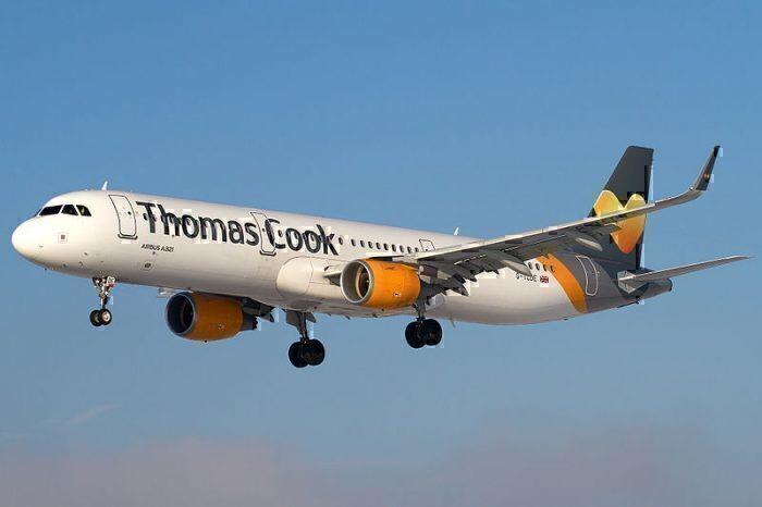 Thomas_Cook_Airlines_Airbus_A321-211_on_finals_into_Salzburg_Airport