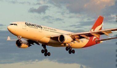qantas-a330-sticky-landing-gear
