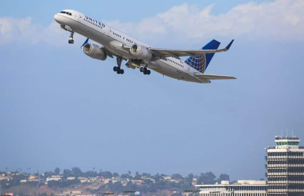 United Airlines 757