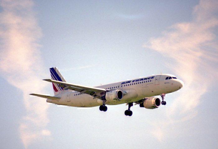 Air France Airbus A320-111; F-GFKA@ZRH;20.07.1996