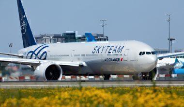 Air France, Boeing 777, Stowaway