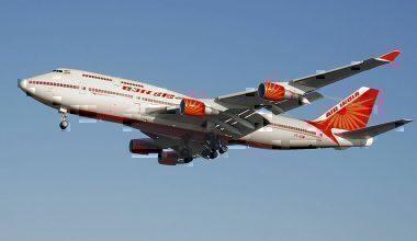 800px-Air_india_b747-400_vt-esm_lands_arp
