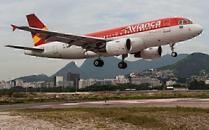 800px-Avianca_Airbus_A319_(8374024284)