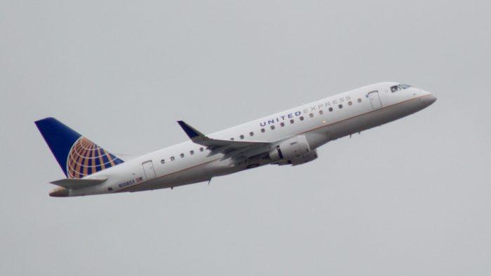 United Express Embraer 175