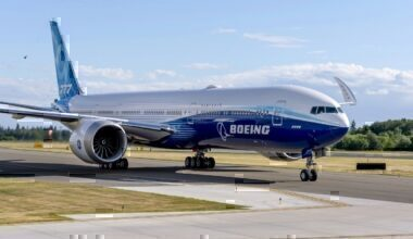 Boeing 777X Taxi