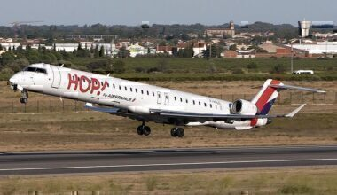 Bombardier_CRJ-1000NextGen,_HOP!_for_Air_France