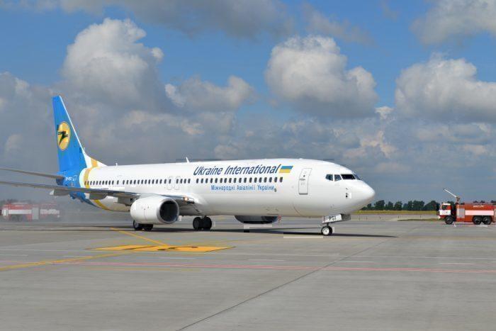 Boeing 737-800 Ukraine International Airlines