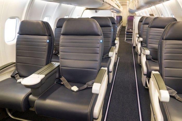 United Airlines CRJ550 Interior