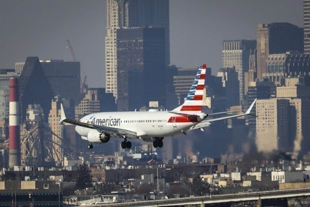 New-york-airport-mask-fine-getty