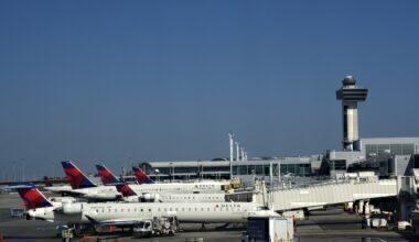 Delta planes at JFK