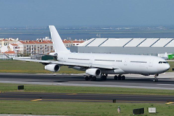 Hi Fly A340-300