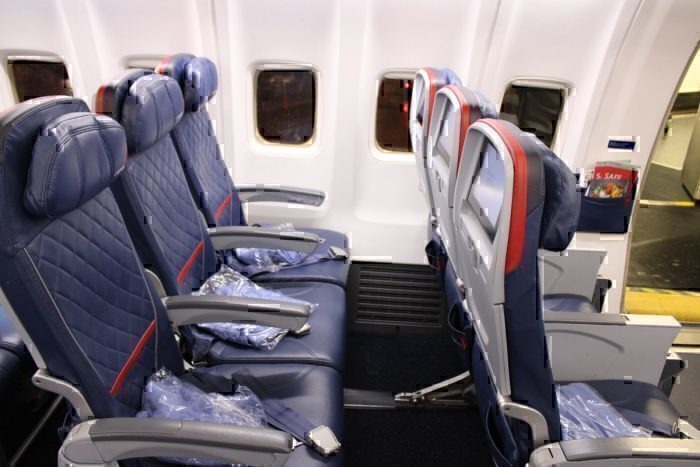 Delta 757 Comfort+