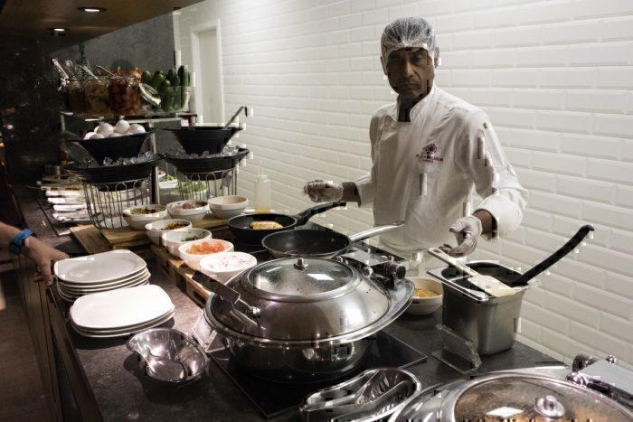 Lounge Review: Al Dhabi Plaza Premium at Abu Dhabi