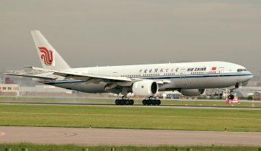 Landing_B-777_'Air_China'_(4170015270)