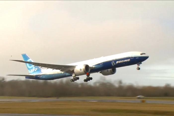 Boeing, 777X, first flight
