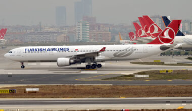 Turkish_Airlines,_TC-JOI,_Airbus_A330-303
