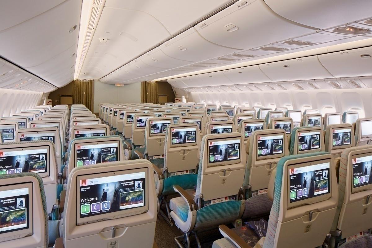 Emirates B777-200LR Economy Class