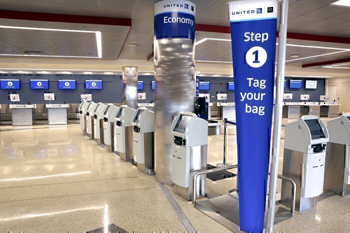 United Airlines Baggage change lobby