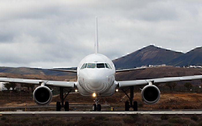 Primera Air B737-800