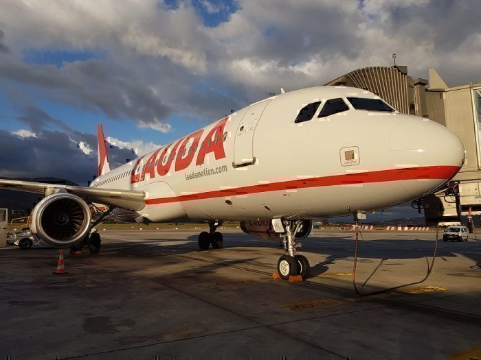 A320 from Lauda at Faro apron