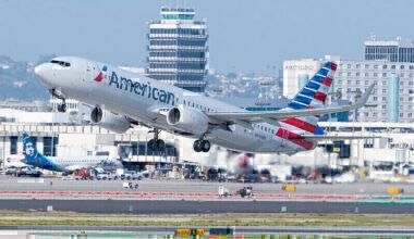 American Airlines Boeing 737-800 N940NN