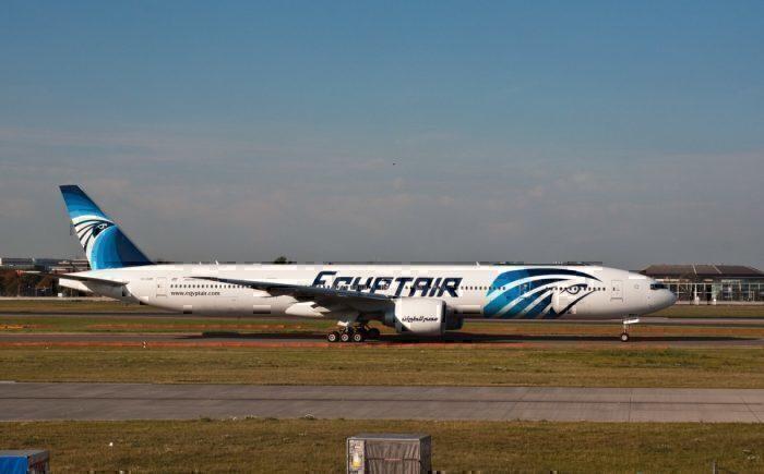 Egyptair 777, Heathrow, 2 Oct. 2011