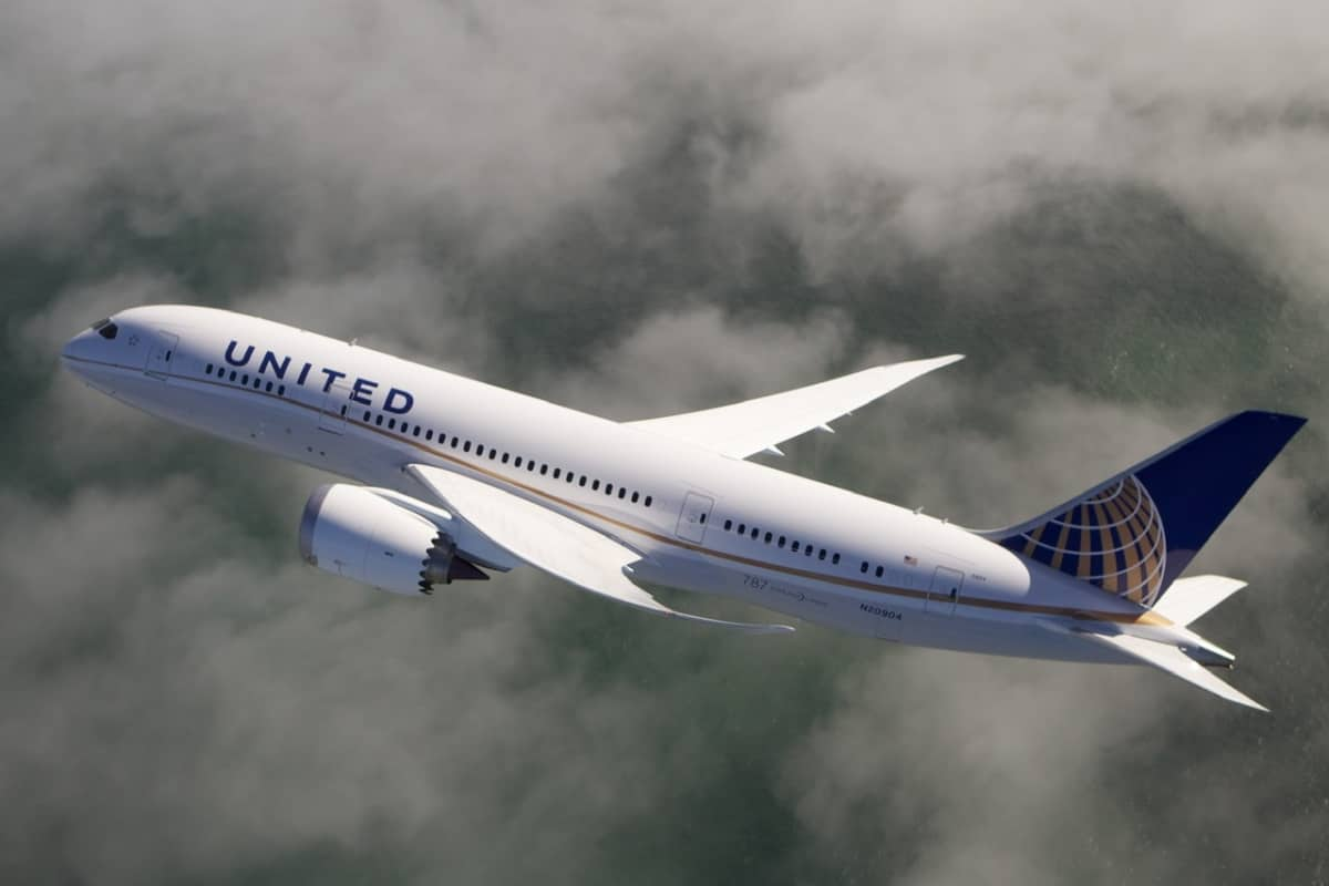 United Tells Cabin Crew To Stop Controlling 787 Windows Centrally - Simple Flying