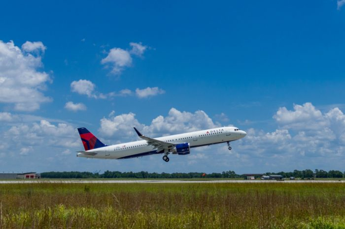 Delta A320 takeoff