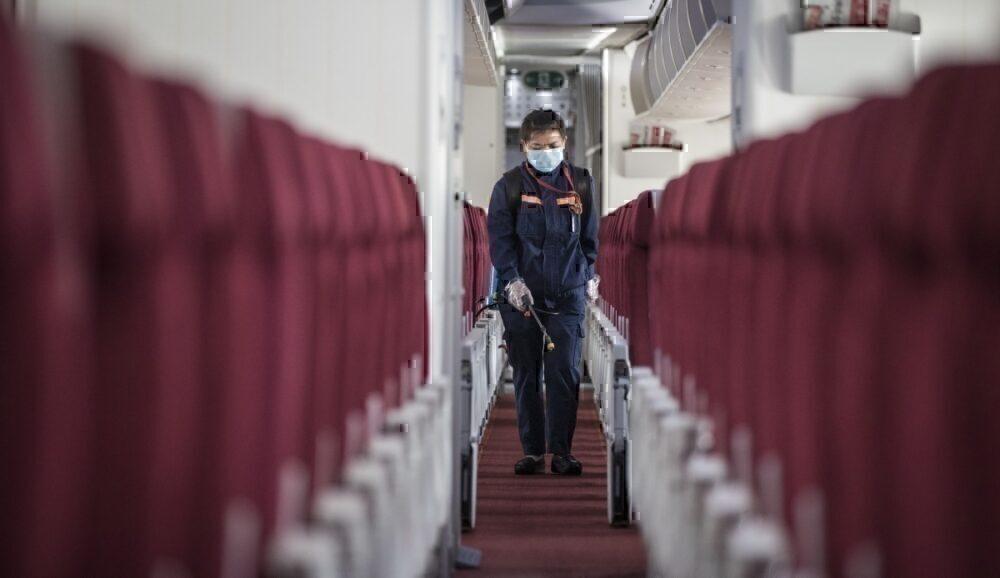Clean a plane