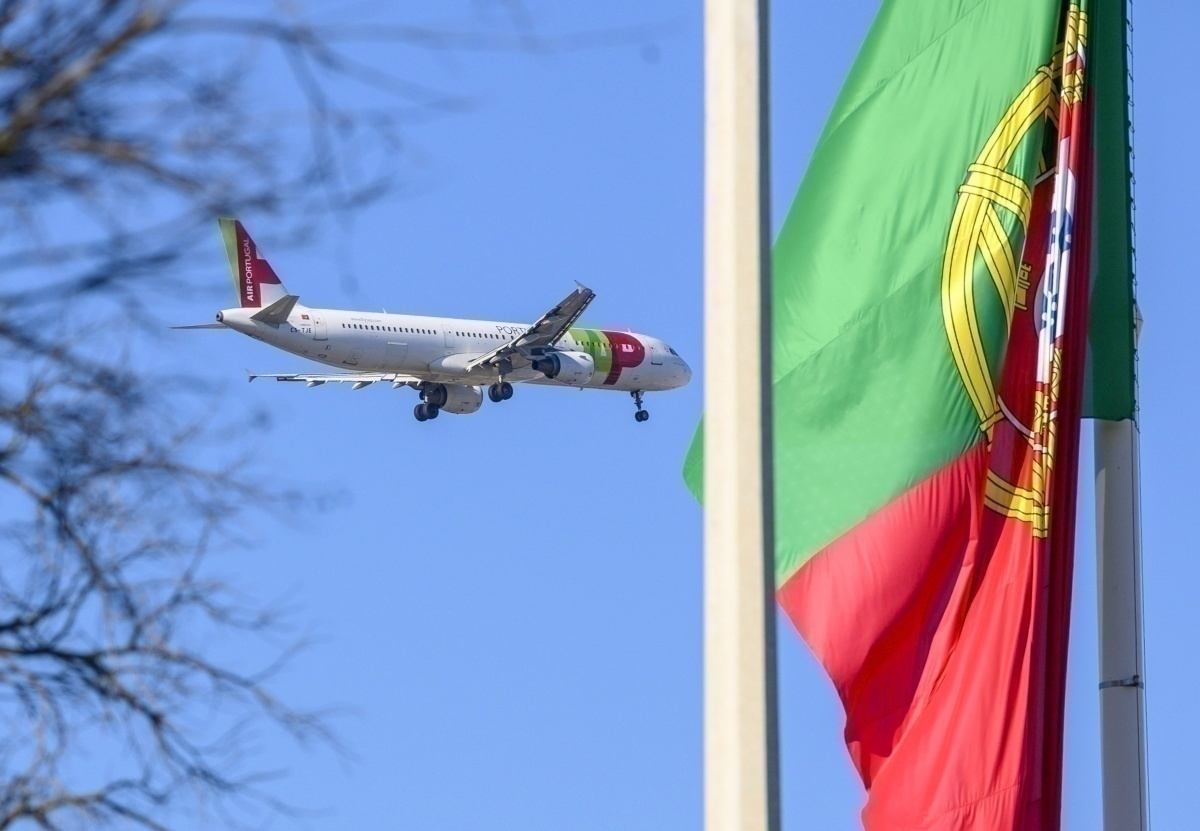 TAP aircraft with Portuguese flag