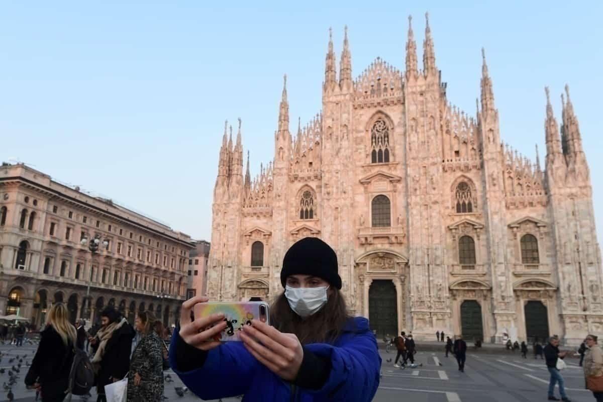 Traveler in Milan amid coronavirus