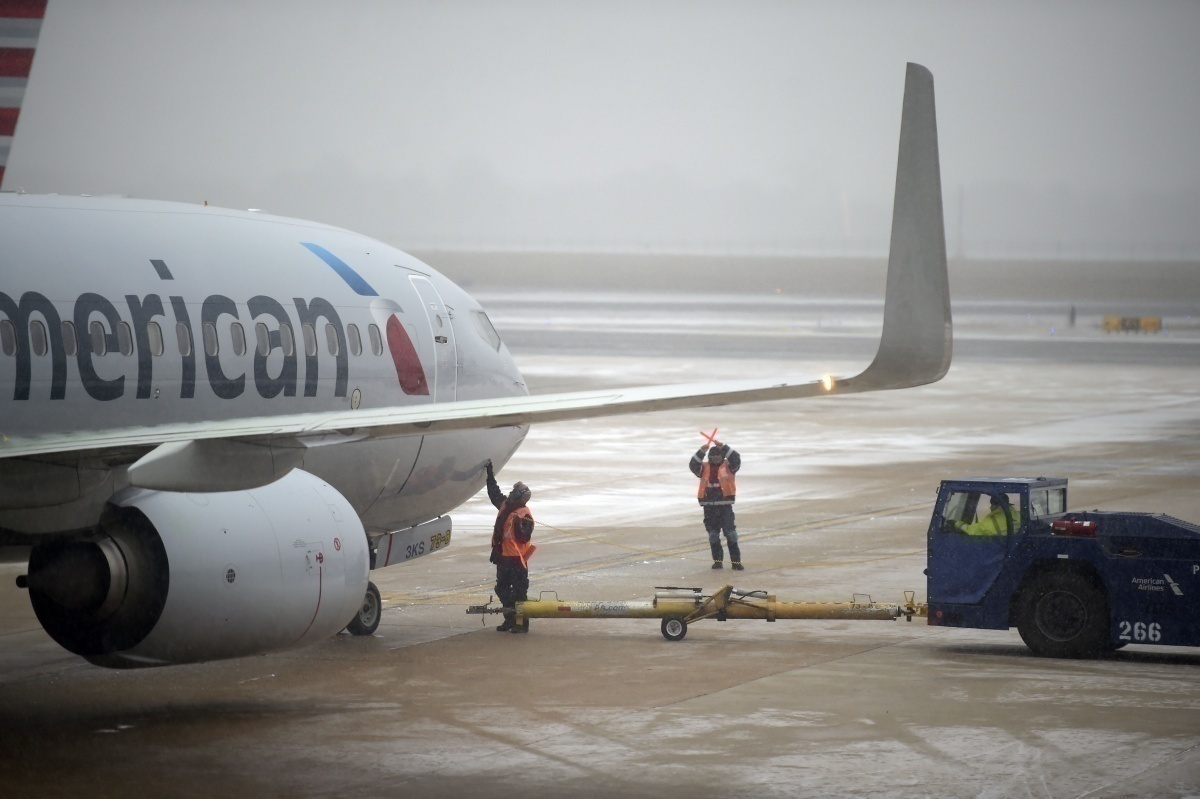 American Airlines snow