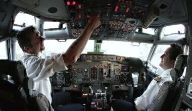 Cockpit of Boeing 737