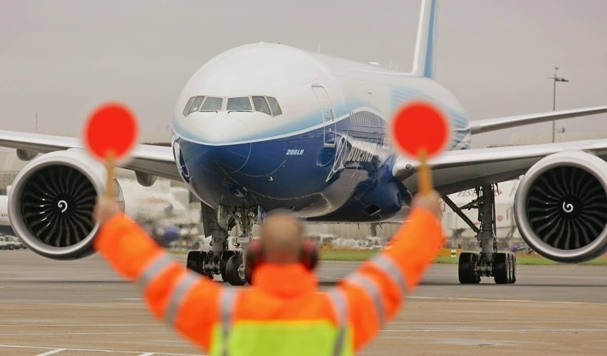Airlines Unhappy With Boeing CEO's Carrier Failure Prediction