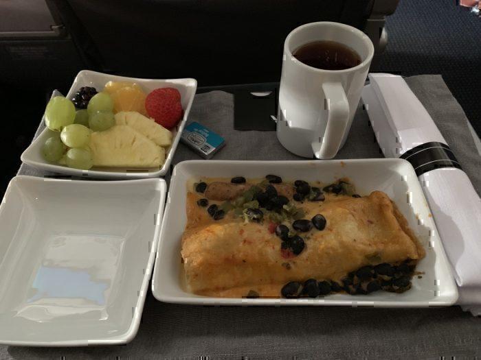 American Airlines breakfast