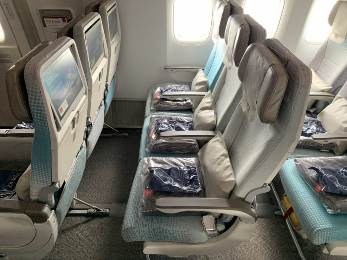 Emirates, Boeing 777, economy class