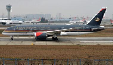 Royal_Jordanian,_JY-BAG,_Boeing_787-8_Dreamliner_(46913589494)