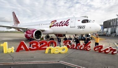 first-A320neo-Batik-air-MSN9505-delivery-group-picture-002