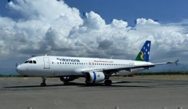 1280px-Solomon_Airlines_Airbus_A320-211_at_Honiara_Airport_in_2012