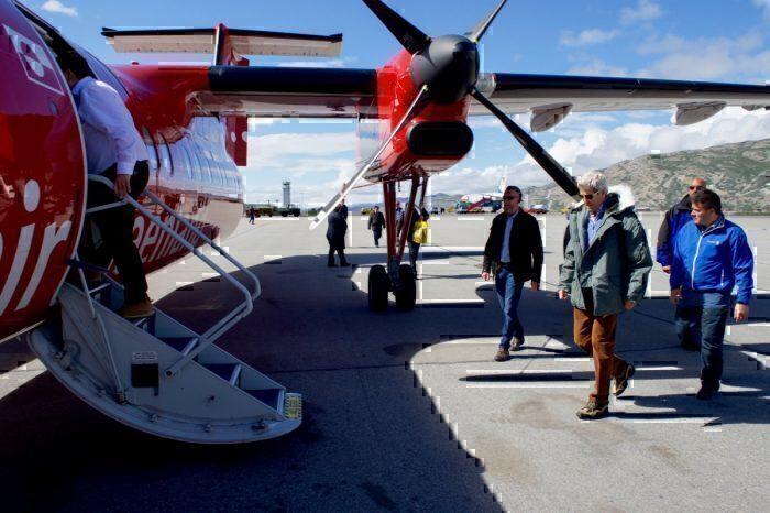 Air Greenland Dash 8