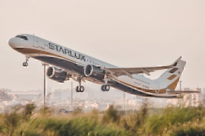 starlux-airlines
